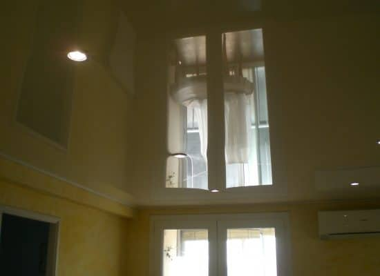 plafond-tendu-bretagne toile tendue comparaison prix m2 plafond tendu spécialiste plafond tendu brillant miroir
